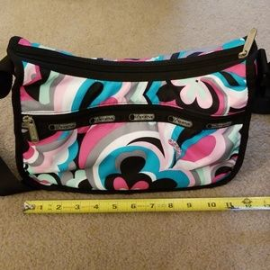 LeSportsac Floral Shoulder Purse. Great condition.
